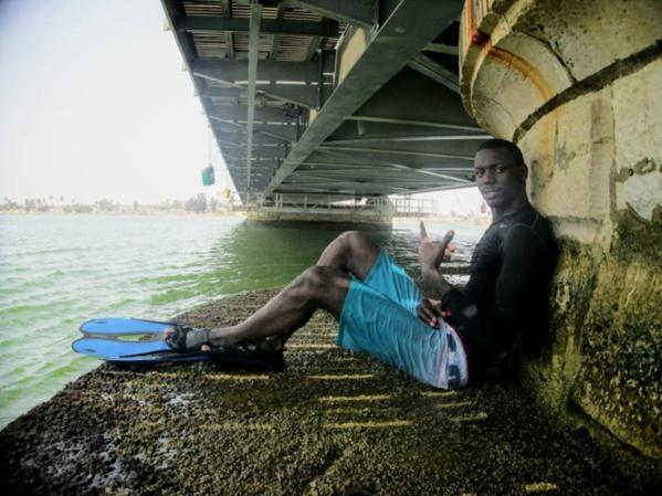 MAX pose sous le pont !
