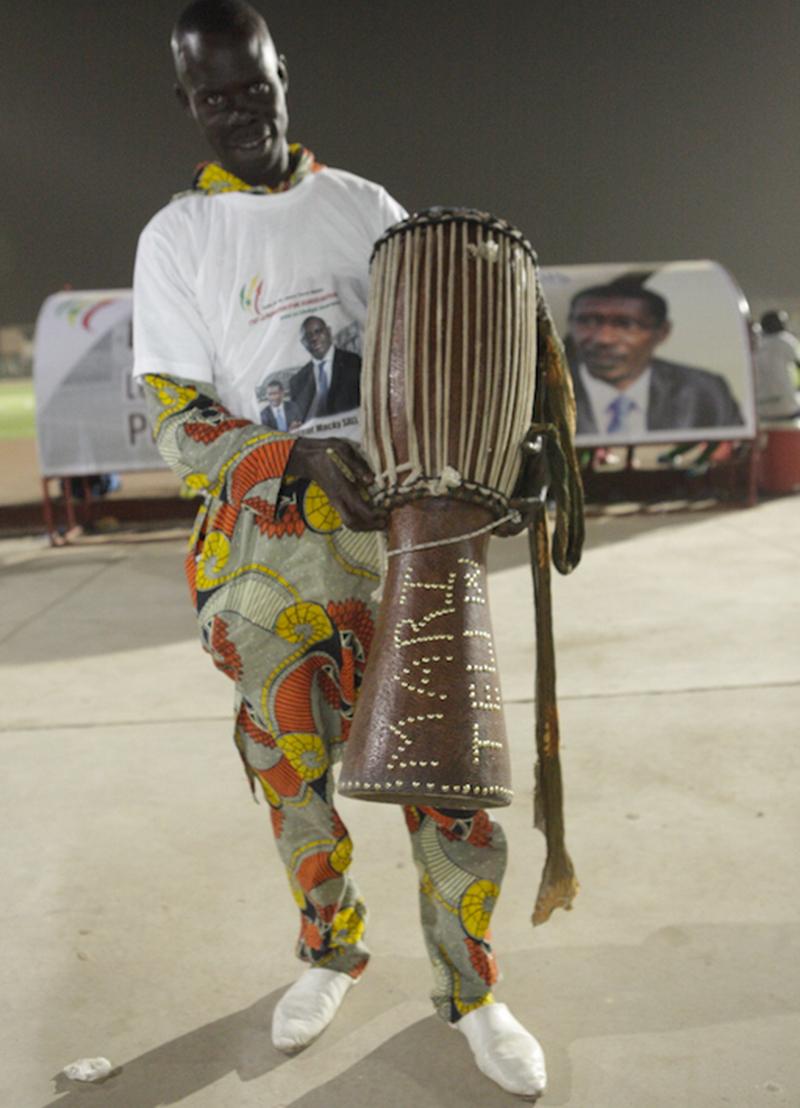 Demba GNINGUE, un maître de la percussion …