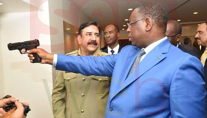 Déthié Fall : « Un président, arme à la main, renvoie à un roi sanguinaire »
