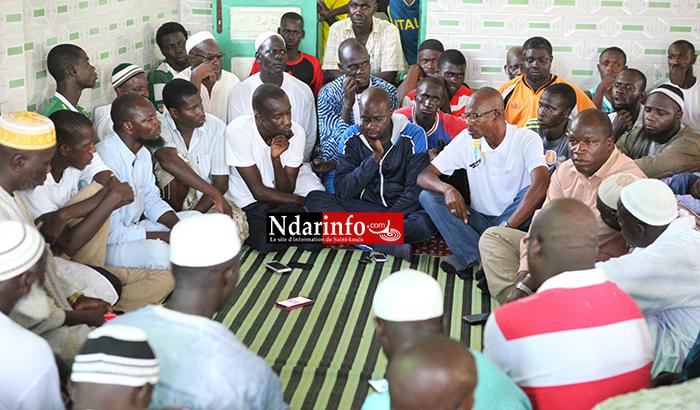 Vers 18 heures, dans la Mosquée Hadramé, la Commune rencontre les deux comités de gestion. Crédit Photo: NdarInfo