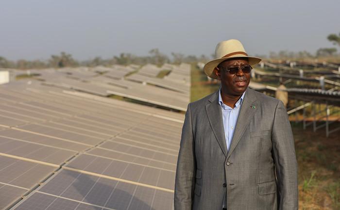 Macky SALL annonce  5 nouvelles centrales solaires en 2017 « pour porter le taux des énergies renouvelables à 21% ».