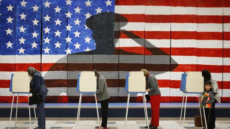 EN DIRECT - Election américaine : Trump remporte l'Indiana et le Kentucky, Clinton le Vermont