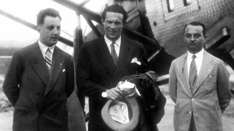 Mermoz, pilote de légende de l'Aéropostale, disparaît le 7 décembre 1936