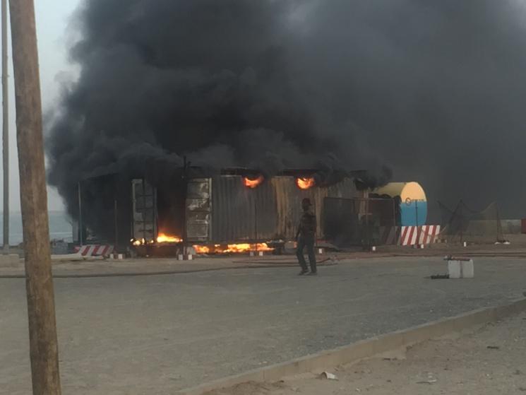 URGENT : incendie au quai de pêche de l'hydrobase ( photos)