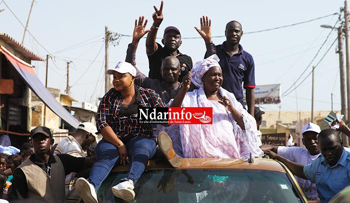 GUET-NDAR - Mansour FAYE s'offre un bain de foule et raille Abdoulaye WADE : « j'ai pitié pour lui … » ( vidéo )