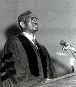 Cheikh Anta DIOP et Abdou Moumouni, premiers a appelé à l'utilisation des énergies renouvelables en Afrique
