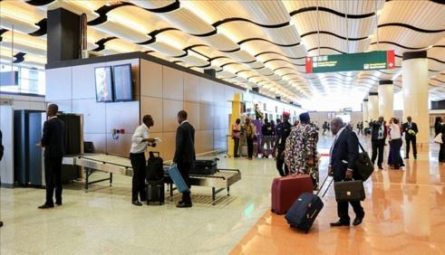 Enquête – Tout ce qu'il faut savoir sur le grand bordel à l'aéroport AIBD …