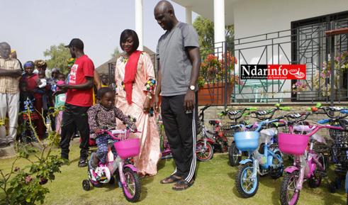 SOCIAL : Sokhna Ndiaye FAYE gâte les enfants de BANGO (Vidéo & Photos)