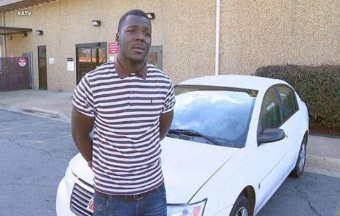 Il marche trois heures par jour pour aller travailler: ses collègues lui achètent une voiture