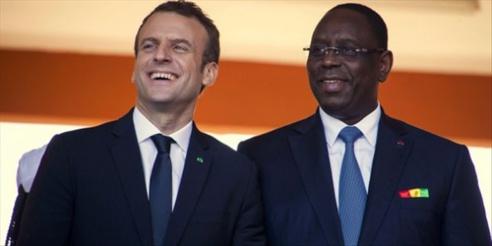 Macky achète à la France 50 000 lampadaires solaires à 1 million l'unité