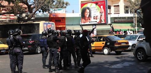 Manifestation de l'opposition : Decroix, Oumar Sarr, Toussaint Manga interpellés