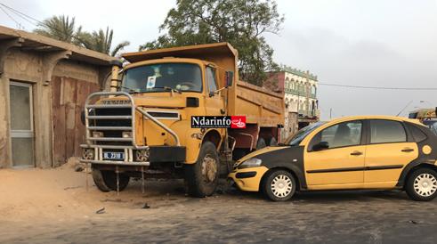 PIKINE: choc entre un camion et un taxi (Photos)
