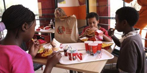Fast-food : après la Tunisie et la Côte d'Ivoire, KFC débarque au Sénégal