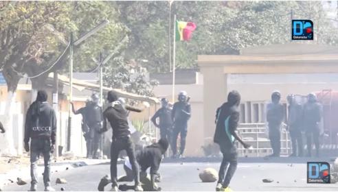 Gandiaye : les élèves saccagent la mairie et blessent 3 gendarmes