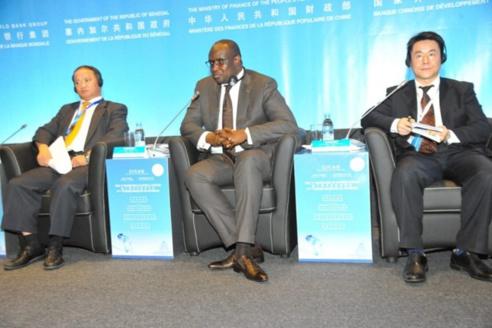 """1er mai 2018 : la CNTS félicite le DG de la SENELEC : """"Makhtar Cissé abat un travail extraordinaire et nous tenons à l'en féliciter"""""""