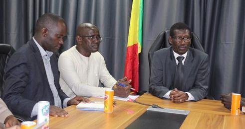 Enseignement supérieur : vers un accord-cadre entre Dakar et Conakry
