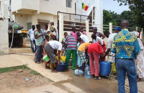 Pénurie d'eau : Macky se prononce