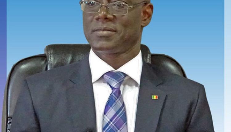 """Thierno Alassane sall accuse """"2 milliards de francs Cfa sont mobilisés par le régime actuel pour acheter des parrains""""."""