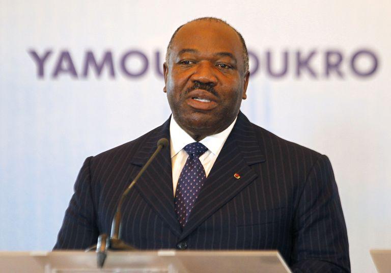"""Le président du Gabon Ali Bongo hospitalisé à Riyad après un """"malaise"""""""