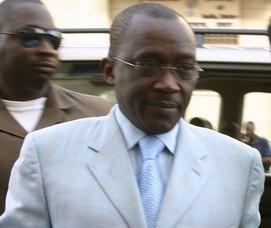 POLITIQUE: Ousmane Masseck Ndiaye ne veut pas de Conseiller qui jette des fleurs à Karim Wade