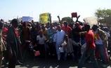 19 mars à Saint-Louis : Des manifestants occupent la Place Abdoulaye Wade pour dénoncer le régime du Sopi