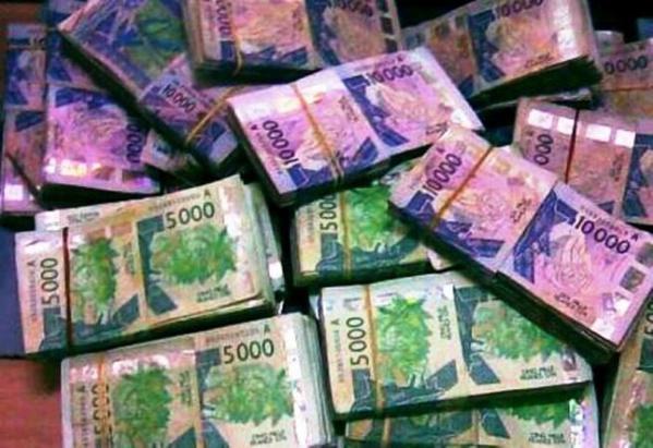 Huit faussaires dont une dame de 50 ans arrêtés, 13 millions en faux billets saisis