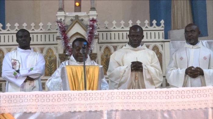 """Saint-Louis : """"Il y a nécessité de revenir aux vraies valeurs"""", confie l'Abbé Louis Gomis, Curé de la Paroisse Notre Dame de Lourdes"""