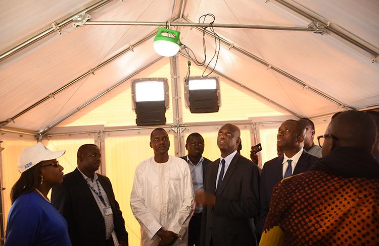 Réception au port de Dakar de 336 unités mobiles d'habitations pour les sinistrés de la Langue de Barbarie ( Photos )