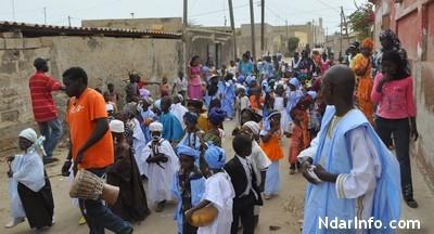 Carnaval des tout-petits : Les élèves du jardin d'enfants Le Diawling en parade dans les rues de Sor.