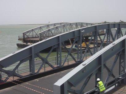 [ PHOTOS] Changement de la dernière travée du pont Faidherbe de Saint-Louis