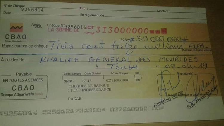 Université de Touba : La famille de Serigne Fallou remet un chèque de 313 millions