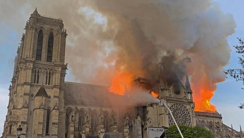 Paris : La cathédrale Notre-Dame ravagée par un terrible incendie