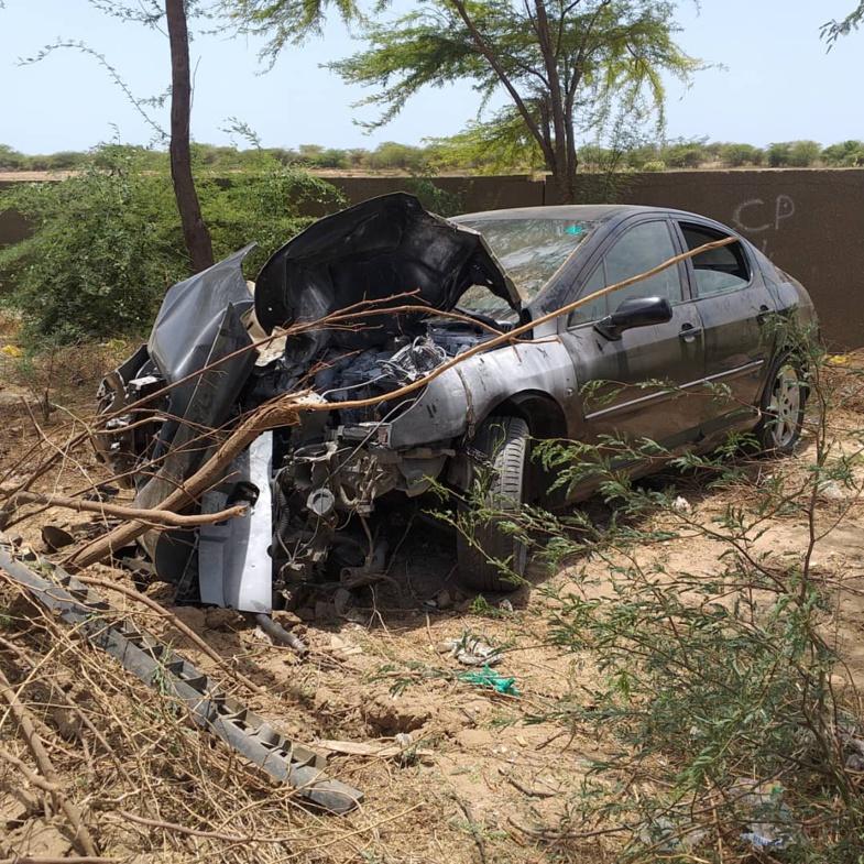 Accident à hauteur de l'UGB : Un particulier dérape en évitant une ... ( Photos)