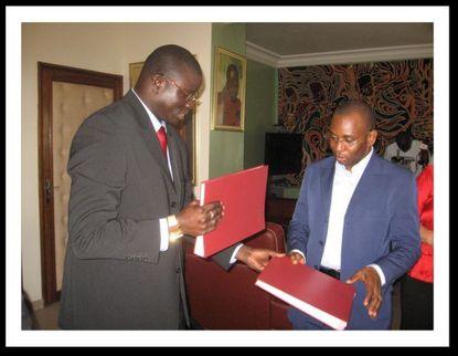 Peritel TV et l'Etat du Sénégal  ont signé '' une convention de concession''