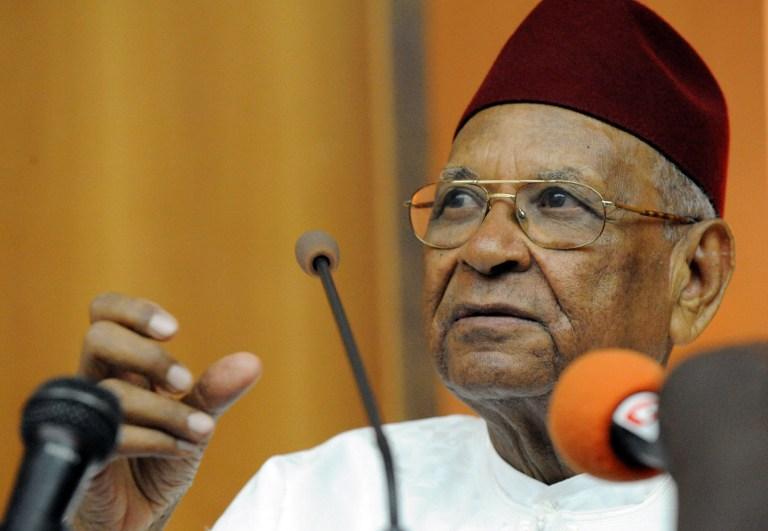 """Amadou Makhtar MBOW vu comme """"un repère et un modèle d'engagement"""""""