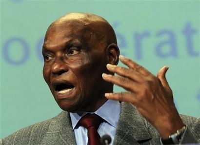 Le salaire d'Abdoulaye Wade révélé