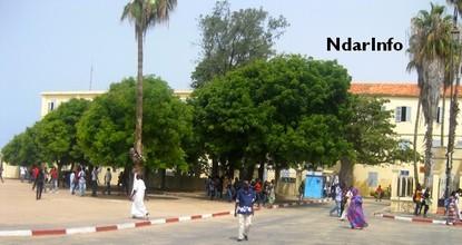 Lycée Cheikh Oumar foutiyou Tall : Grogne des élèves contre  un manque de professeurs et de table bancs
