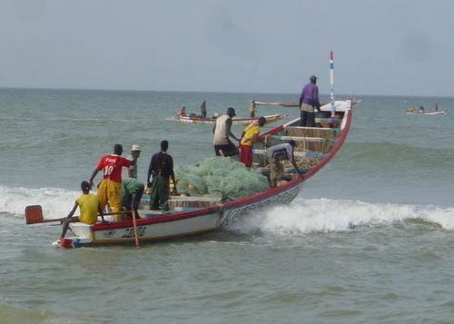 Un mort et deux rescapés dans le naufrage d'une pirogue à Gandiol