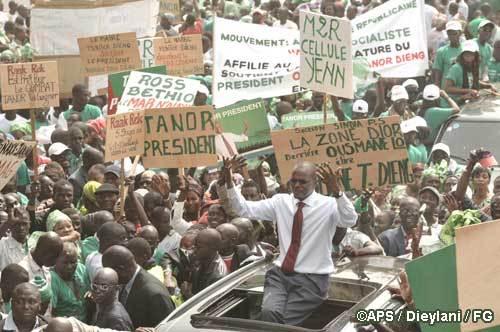 Ousmane Tanor Dieng investi candidat à la présidentielle 2012