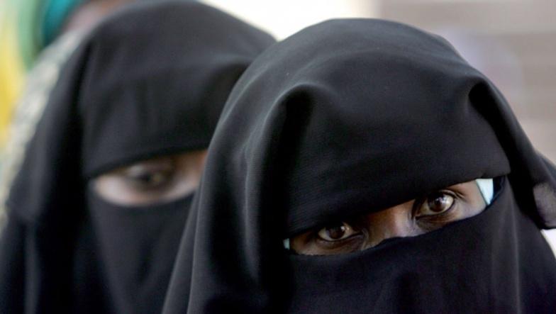 Arrestation à Rebeuss: Deux individus se camouflent en Burqa avec de fausses hanches et de faux seins dans une mosquée
