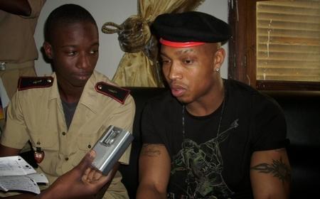 [Come Back] Le 13 janvier 2010, El Hadji Diouf visitait le Prytanée militaire de Saint-Louis.