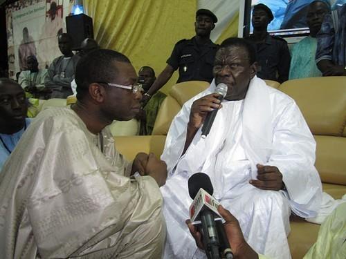 [PHOTOS] Exclusif /  Youssou Ndour est thiantacoune: voici les images de son «diébeulou» devant Cheikh Béthio