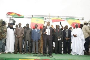 """Présidentielle 2012 : cinq favoris, trois outsiders et six """"inconnus"""" en campagne électorale"""