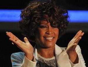 Whitney Houston retrouvée morte dans sa baignoire