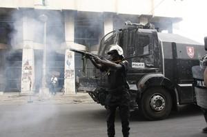 Dernière minute : le camion dragon tire des jets d'eau sur les talibés Tidjanes.
