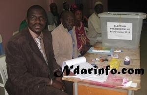 Saint-Louis-Vote militaire- Insolite au bureau n°1 : Après avoir choisi son candidat, il jette le bulletin dans l'isoloir !