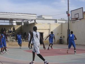 Basketball National 1 masculin 14ème tour garçons : Saint-Louis Basket se ressaisit et rassure ses supporteurs avant les Play-off.