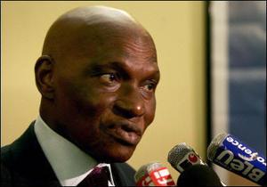 Sénégal : l'opposition veut une nouvelle présidentielle sans Wade dans 6 à 9 mois