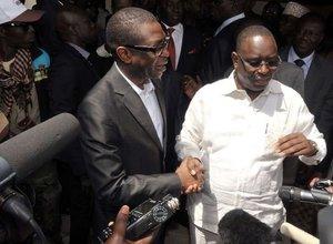 |AUDIO| Youssou Ndour chez Macky Sall : Un accord sur la baisse du coût de la vie et l'application des conclusions des assises nationales scellé