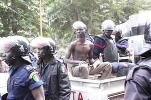 Flash info: Trafic de cartes au CEM Télémaque Sow : La Police vient d'interpeller un individu